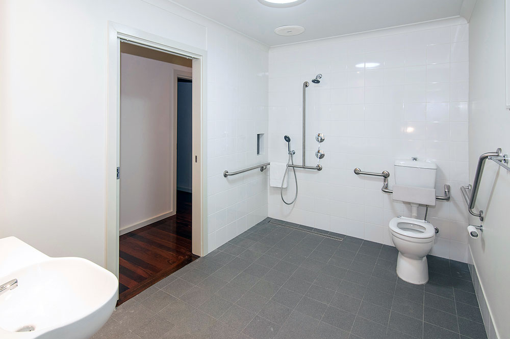 The-Green-House-Busselton-accomodation-bathroom-1